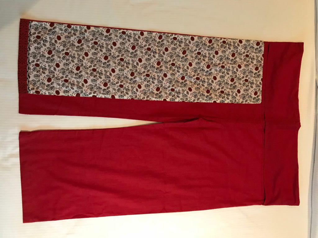 赤色パンツ(1,000円)