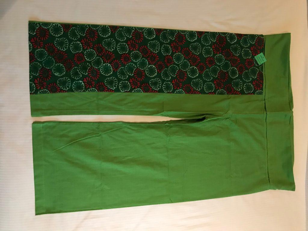 緑色パンツ(1,000円)