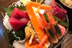 北千住ランチの最高峰「市場食堂さかなや」の豪華海鮮丼1,500円