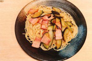 【日本橋パスタの最高峰】スパゲティ心の特性バター醤油味ナスベーコンが最高に美味しい✨