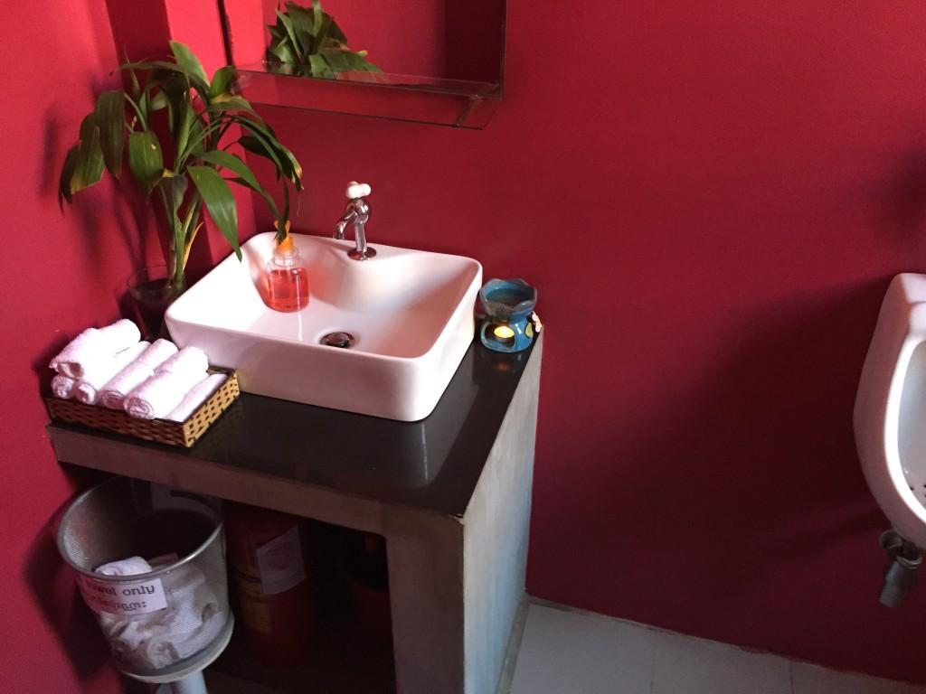 シェムリアップのオススメ無料WiFiカフェ「Joe to Go」はトイレも清潔