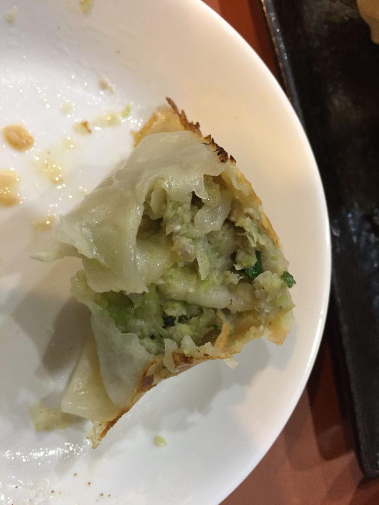 餃子太郎のアボガド餃子