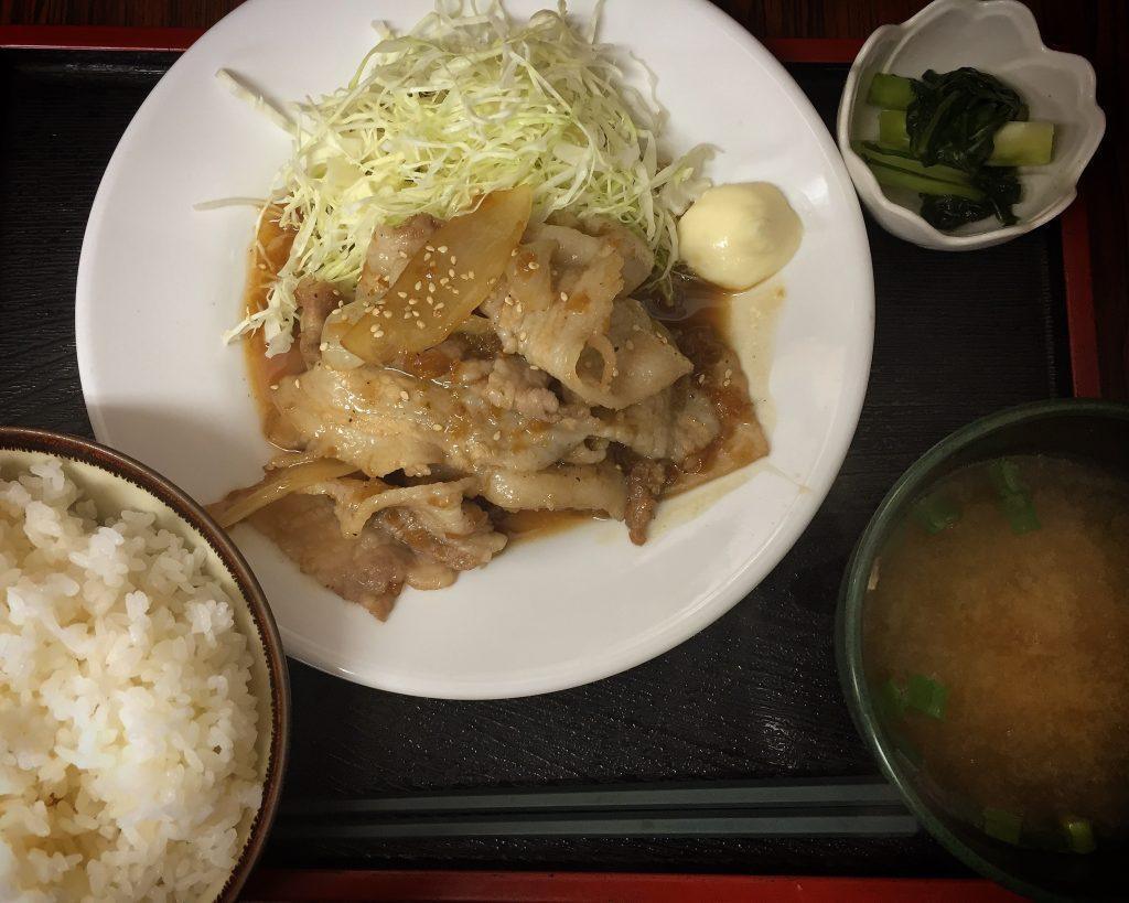 足立市場の徳田屋食堂で「豚の生姜焼き定食」900円