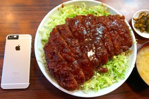 【北千住】キッチンフライパンの名物グルメとんかつ「特大ロースソースカツ丼」でKO負け✨
