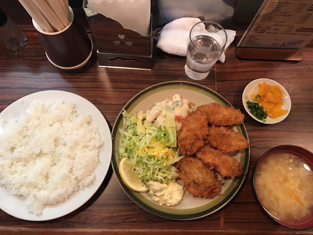 北千住のキッチンフライパンのカキフライ定食に挑戦✨