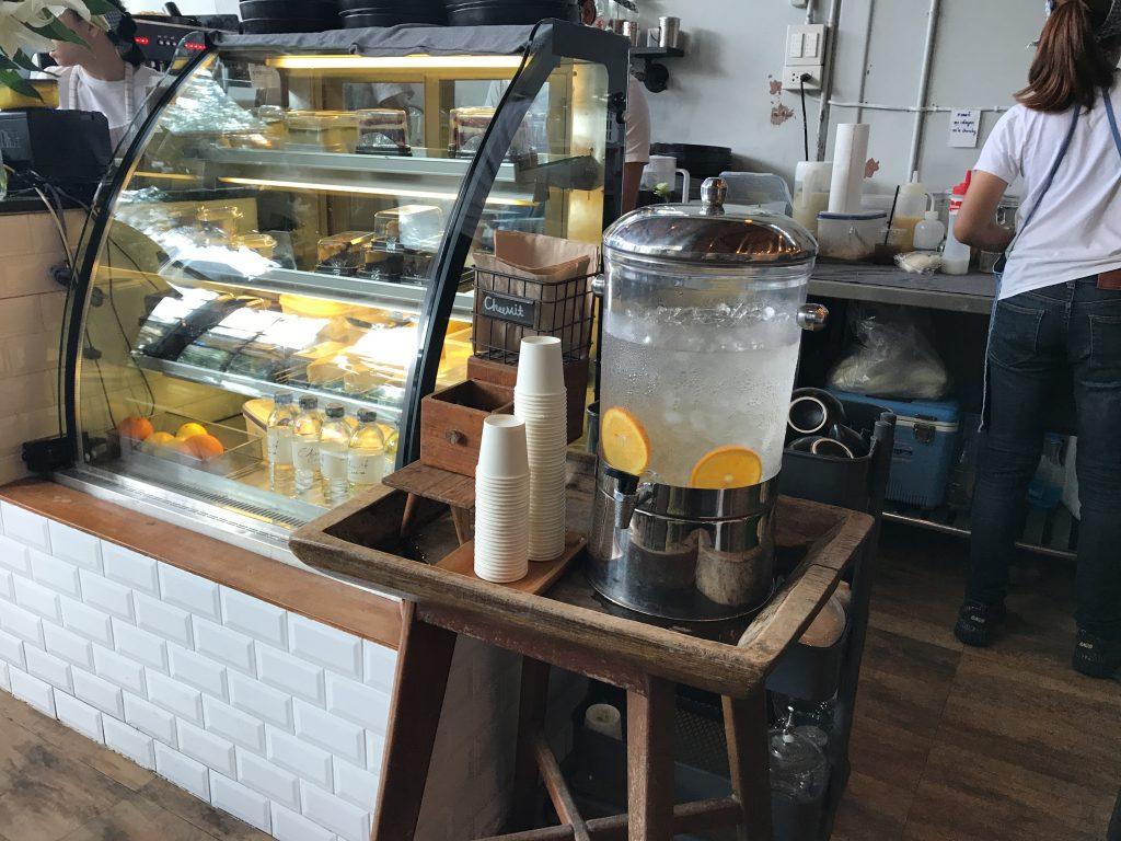 チェンマイで行列ができるかき氷のお店「Cheevit Cheeva」が凄い!