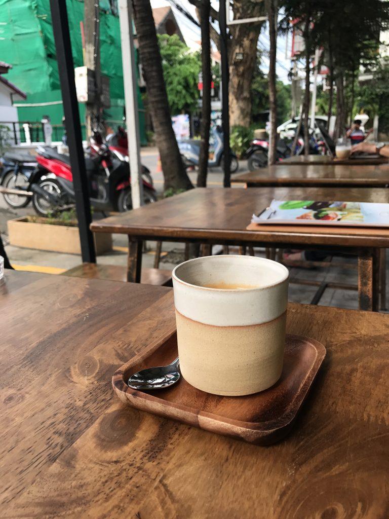 チェンマイのお気に入りのカフェ Soi5 Rojiura Pub