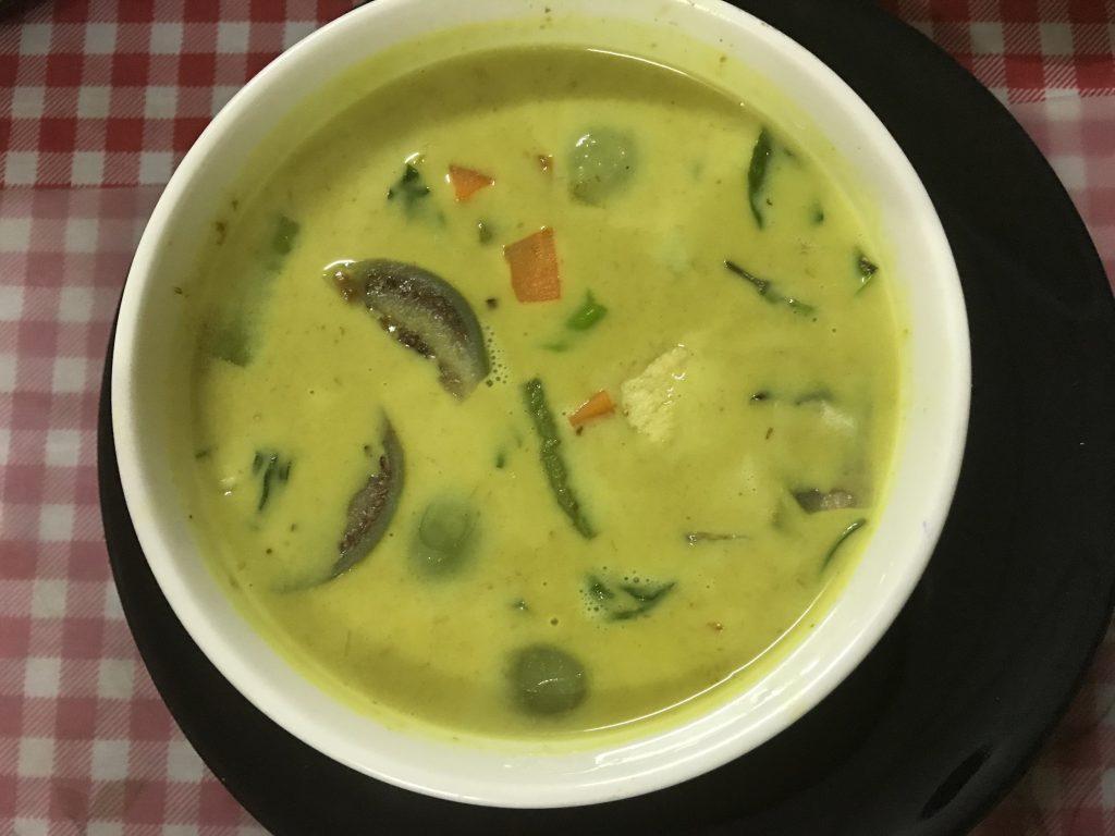 ⑥ Green Chicken Curry (Keng Kiew Wan Gai)85B