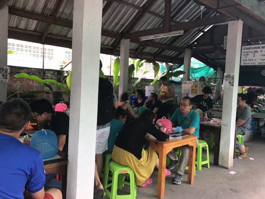 Khao Soi Khun Naiの店内