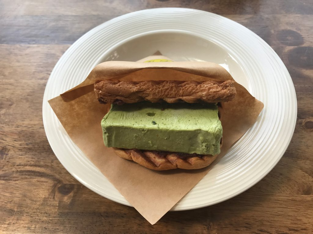 ICE CREAM SANDWITCH(①maccha & sweet bean paste)250円