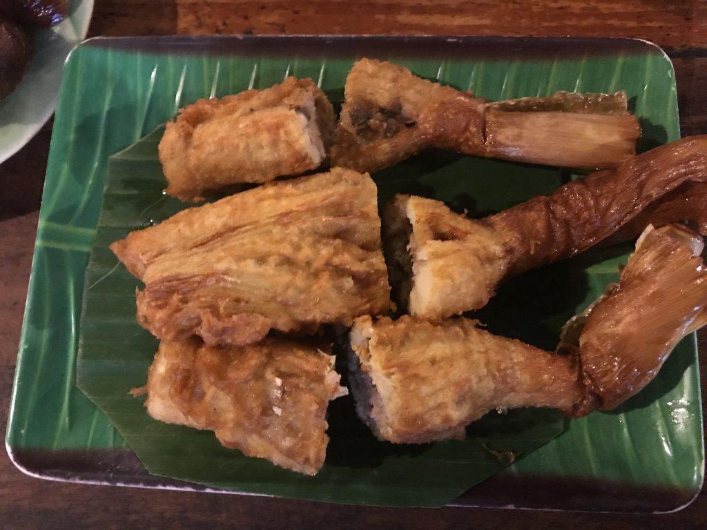 豚肉詰め筍揚げ(280円)
