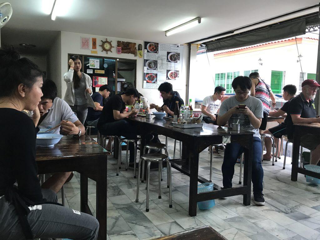 Khao Soi Mae Saiの店内