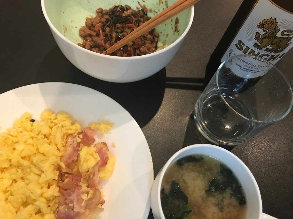 (調理時間2分)スクランブルエッグ+ベーコン