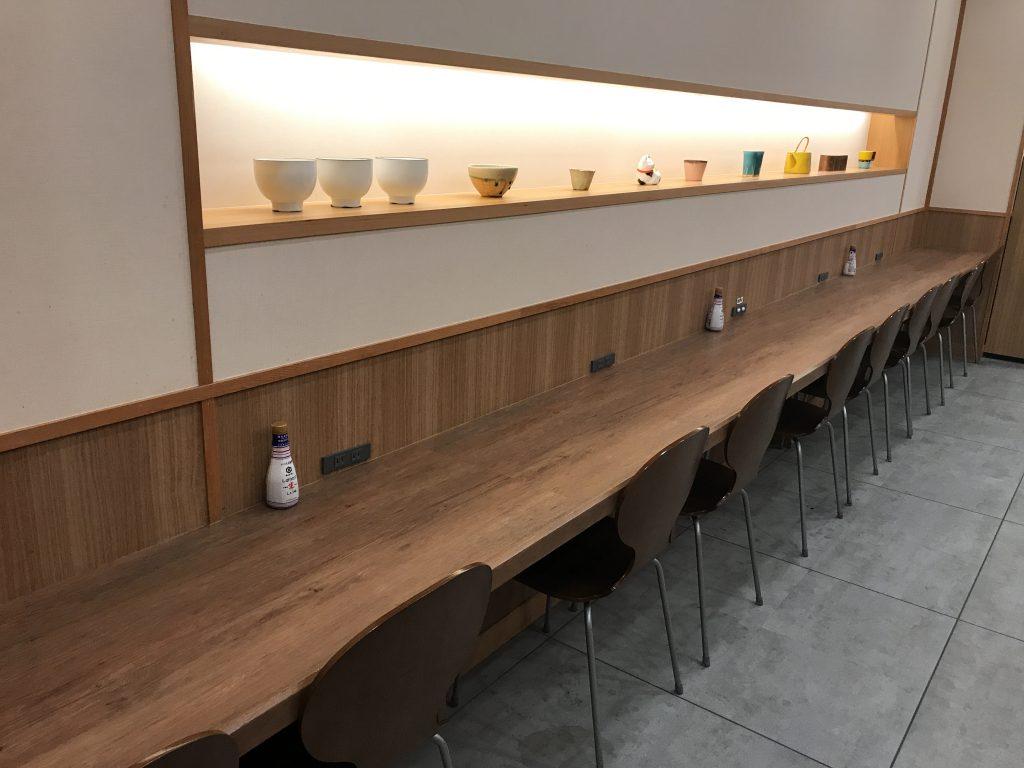 羽田食堂/Dining 24の店内