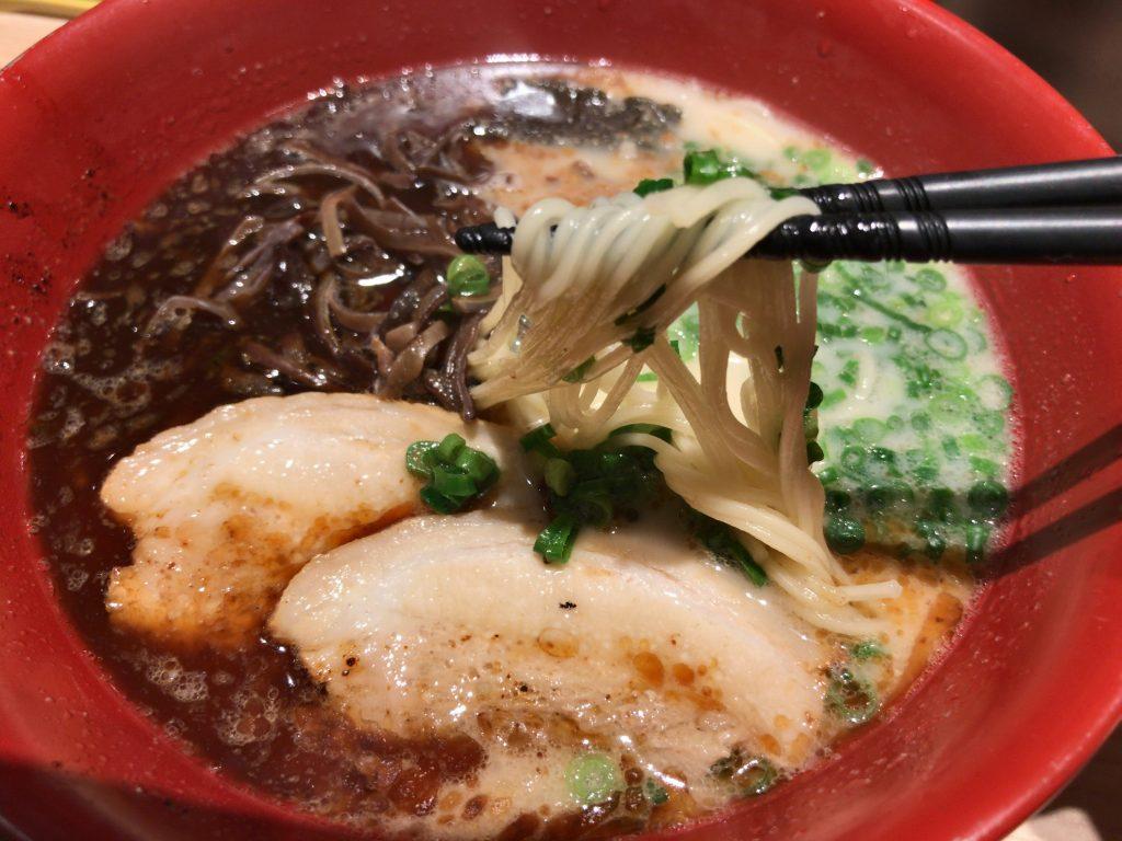熊本ラーメン伝統の味「伝」700円