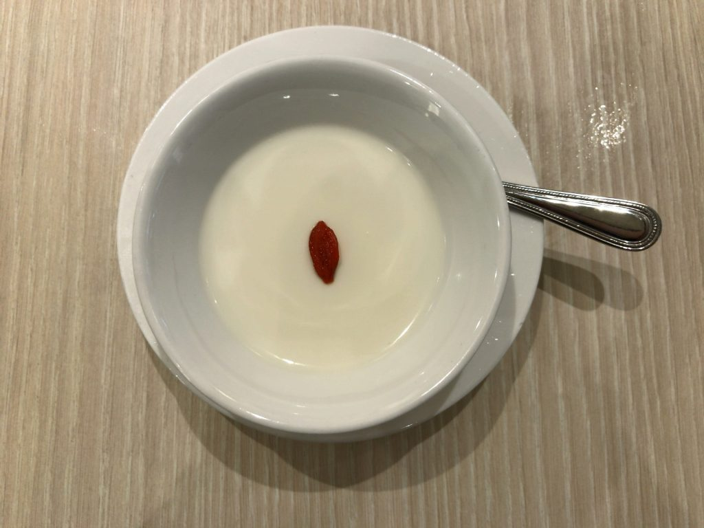 杏仁豆腐(280円)