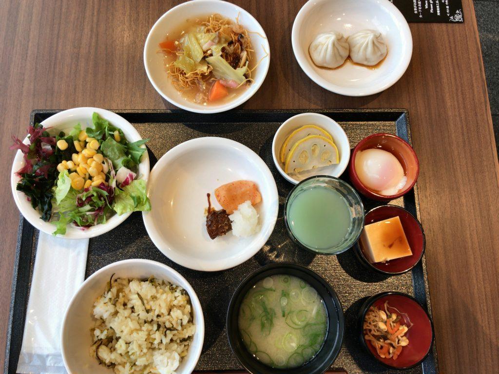 理由④:朝食ビュッフェがめっちゃ贅沢!野菜も食べ放題✨