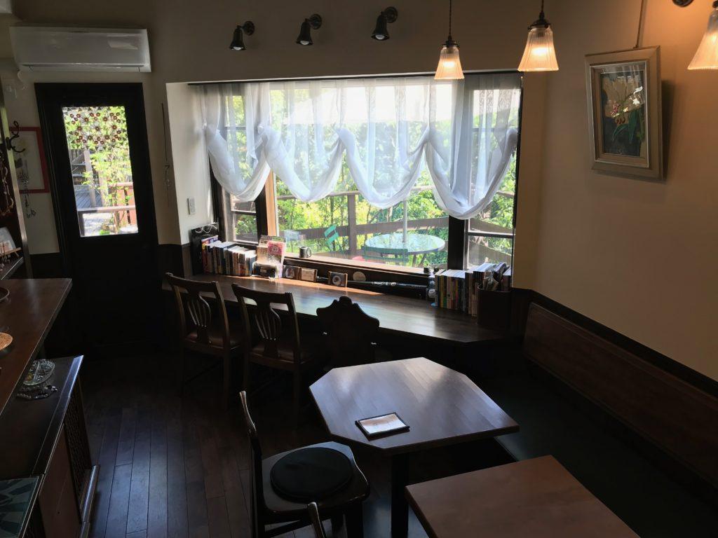 鎌倉の隠れ家カフェ cafe bの店内