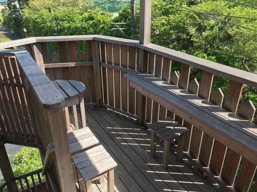 鎌倉の隠れ家カフェ cafe bのテラス席