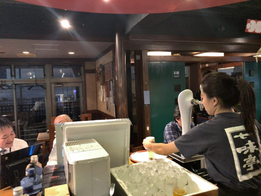 山梨産シャモの串焼(330円)
