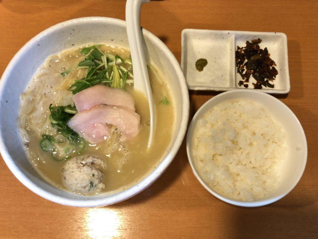 らーめん銀杏で一番大好きなメニュー「鶏SOBA塩(750円)」