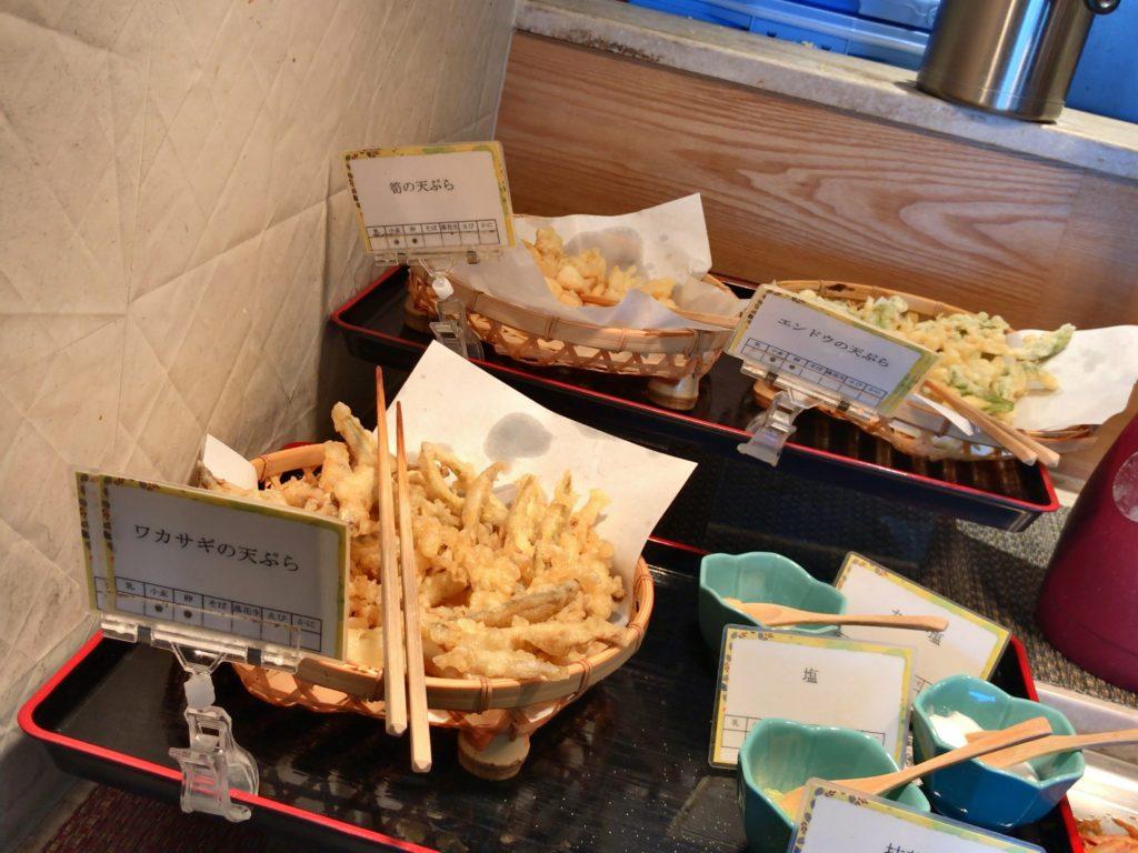 エンドウ・筍・ワカサギの天ぷら