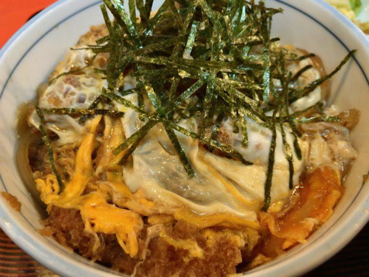 綾瀬の定食屋さんの最高峰「味安」でカツ丼に挑戦(๑•̀ㅂ•́)و✧