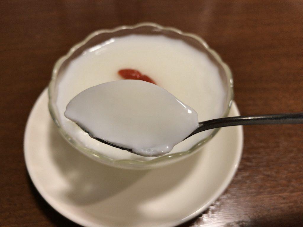 唐朝刀削麺 赤坂見附店の杏仁豆腐(300円)