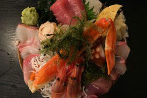 北千住さかなやランチが激混みなので…夜に海鮮丼食べに来た!