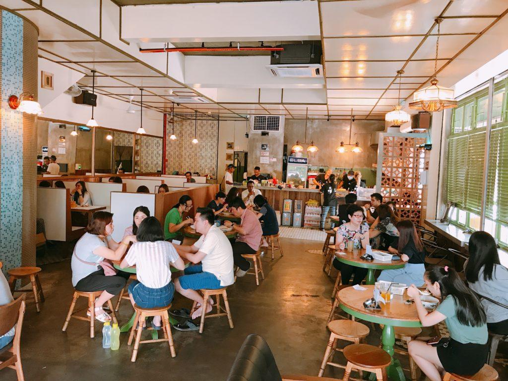 ジョホールバルのマレーシア料理店Auntie Lim Cafeの店内