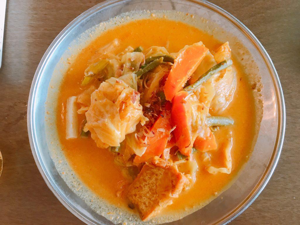ジョホールバルのマレーシア料理店Auntie Lim CafeのLon Tong(315円)