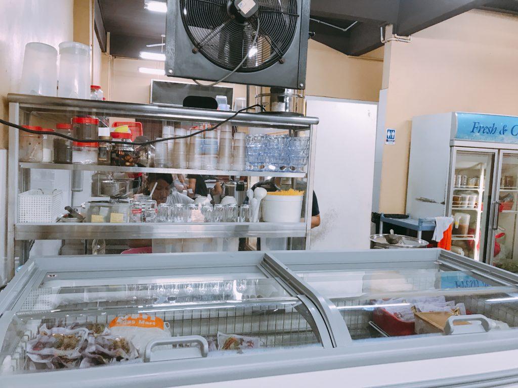 蔡家菜新山(Taman Johor Jaya Rosmerah)の店内