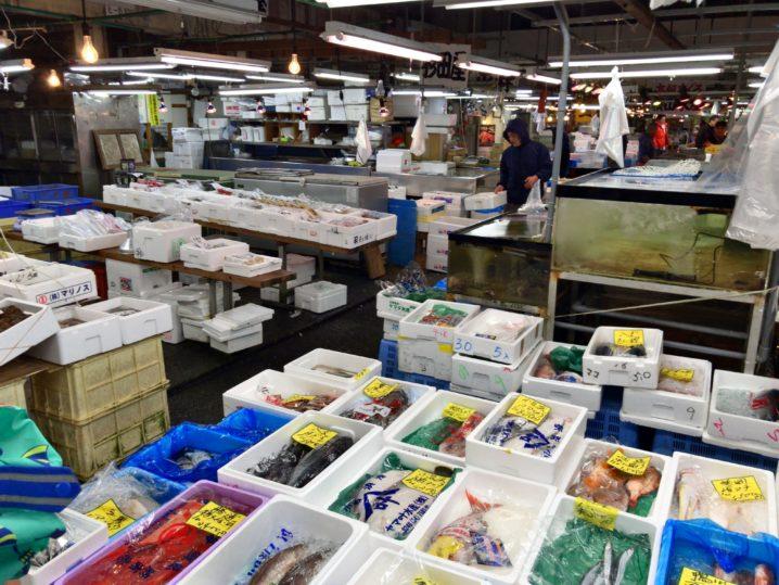 東京中央卸売市場(足立市場)で新鮮魚介を購入(๑•̀ㅂ•́)و✧