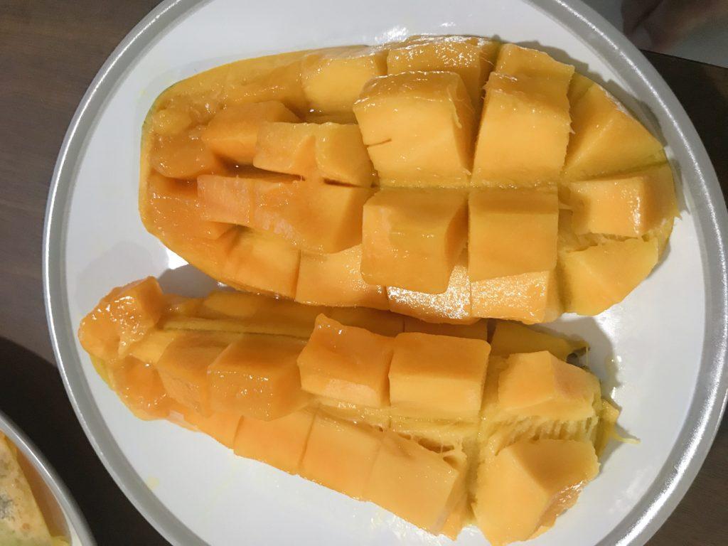 今回購入した1kg210円のマンゴー(3つめ)