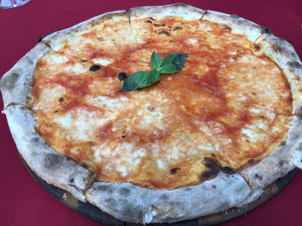 Margherita Pizza(630円/180B)